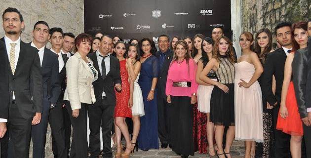 Al dar el arranque oficial de la Semana de la Moda, Lázaro Medina celebró la determinación de los diseñadores como Osvaldo Serrato, director de Hossmodels, de realizar este tipo de eventos