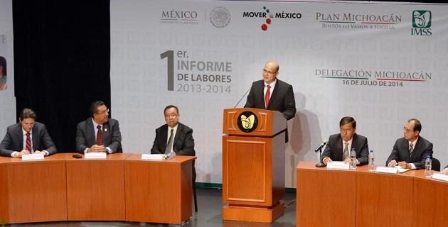 Lázaro Medina celebró la responsabilidad y compromiso que la institución médica muestra a los michoacanos y en particular a los morelianos que requieren de la atención que brindan todos los días para cuidar su salud