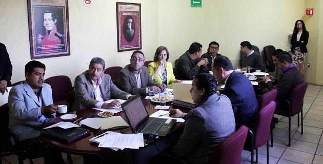 La Comisión someterá a consideración del Consejo General que los michoacanos que estarán fuera del país el día de la jornada electoral pero que, en estos momentos están en el estado, puedan llenar aquí su solicitud de inscripción