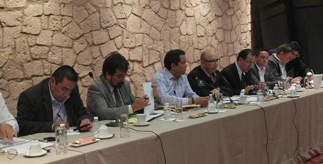 Oseguera Méndez aseguró que se están cumpliendo los ofrecimientos del presidente Enrique Peña Nieto hacia los michoacanos. Y puntualizó que con estas acciones se genera certeza entre la población y confianza en el gobierno
