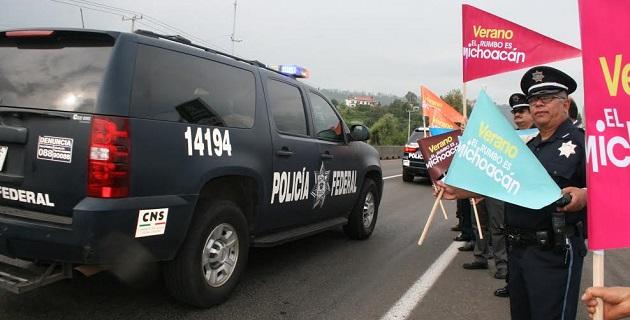 En la salida a Pátzcuaro de la capital michoacana, iniciaron en la entidad las acciones de inspección  y verificación de los accesos carreteros por parte de la Policía Federal