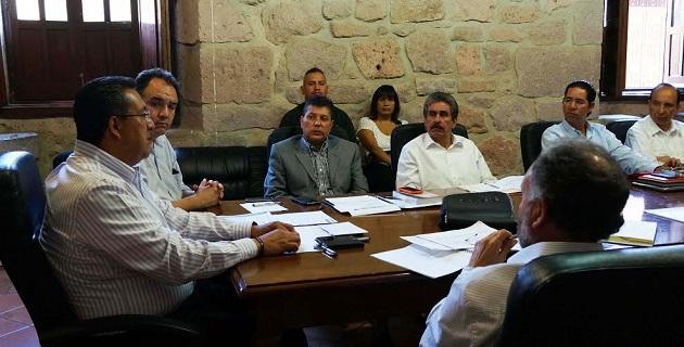 La comitiva de vecinos, dirigidos por Antonio Prats, agradeció la atención brindada por el jefe de la comuna y por los funcionarios municipales, quienes han estado al pendiente de atender las solicitudes presentadas