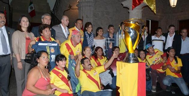 Lázaro Medina reconoció el trabajo realizado por Monarcas Morelia en favor del deporte, que ha sido uno de los ejes más importantes de su gobierno municipal