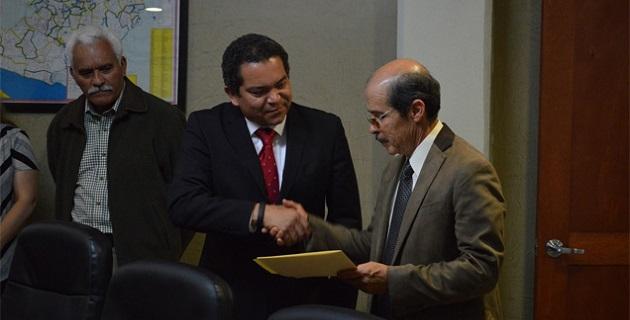 Por instrucciones del gobernador del estado, Salvador Jara, el secretario de Gobierno, Jaime Darío Oseguera, dio posesión a Jesús Alberto Rodríguez