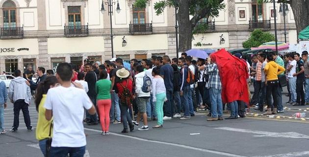 Cabe señalar que las afectaciones a la circulación se extendieron por las calles Benito Juárez a Morelos Norte y de ahí hasta Abasolo