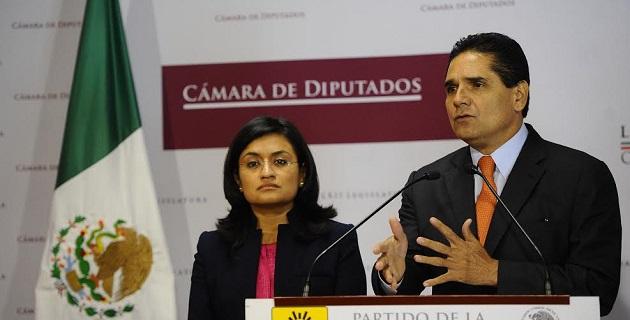 Aureoles Conejo enfatizó que como grupo, desea que la opinión pública sepa y tenga claro por qué se vota en contra y que de la misma manera quienes lo hacen a favor den a conocer sus razones
