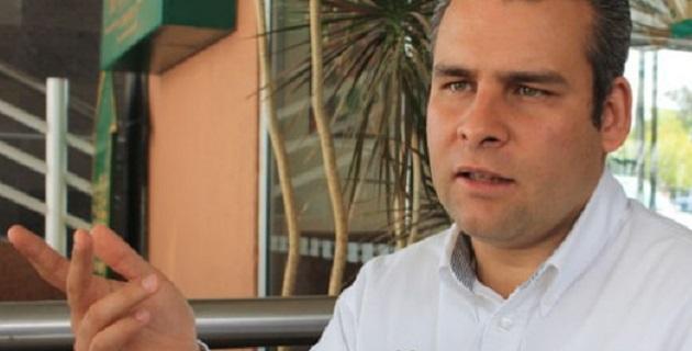 Para Ramírez Bedolla, desde su arribo a Michoacán Alfredo Castillo se preocupa más por la operación política que por la seguridad y el desarrollo de Michoacán