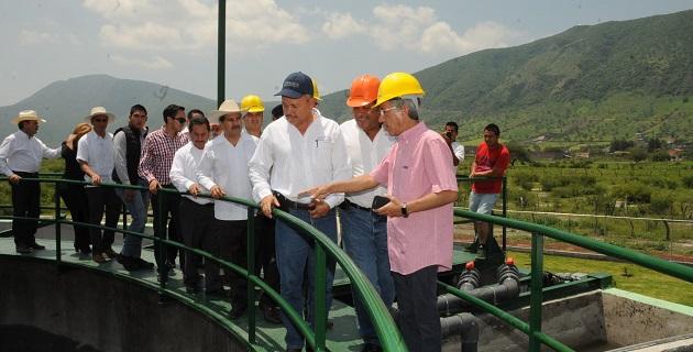 El director local de la Comisión Nacional del Agua (Conagua) en Michoacán, Oswaldo Rodríguez Gutiérrez, detalló que en la entidad operan 30 plantas similares a la que hoy se inauguró