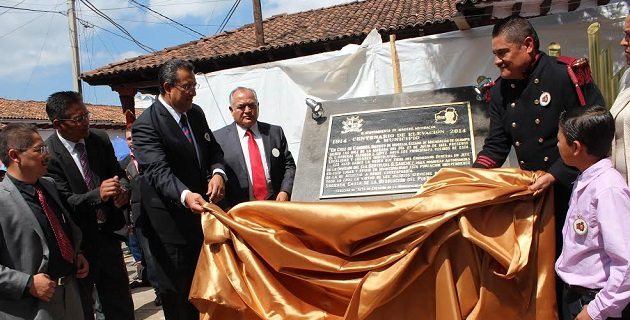 Lázaro Medina aprovechó para saludar a los mezcaleros de la región, a quienes ofreció su apoyo para posicionar el mezcal michoacano a nivel mundial