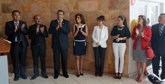 Hernández López, agradeció la confianza depositada por parte del presidente Lázaro Medina y ofreció todos sus conocimientos y energía a favor de las familias más desprotegidas