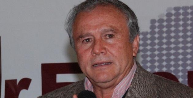 Entrevistado en el Palacio de San Lázaro, Anaya Gudiño sostuvo que si su hubiera tenido la intención de encabezar el gobierno de Michoacán, hubiera buscado al presidente Peña Nieto, no a Servando Gómez