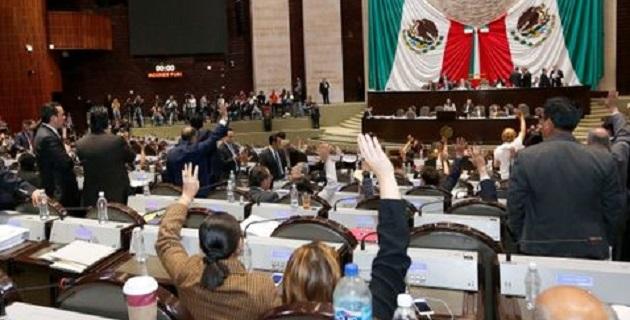 Tras 19 horas de debate, las fracciones parlamentarias aceptaron sólo dos modificaciones de las 793 reservas registradas para su discusión en lo particular