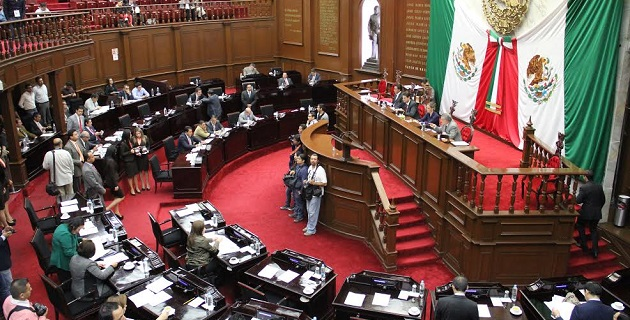 La Comisión de Puntos Constitucionales, presidida por Sebastián Naranjo Blanco, señaló que estas modificaciones proponen medularmente elevar a quince años la edad mínima para permitir el trabajo de los menores