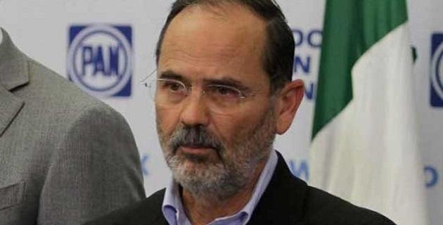 """""""El año que entra van elecciones en Michoacán, y esto es una oportunidad para elegir a las mejores gentes, que tengan un compromiso para deslindarse de aquellos que tienen secuestrado al estado"""", afirmó Madero Muñoz"""