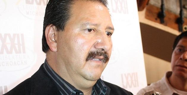 La detención de Rodrigo Vallejo Mora es parte de la estrategia para justificar la presencia del comisionado para la Seguridad, Alfredo Castillo, aseguró Sandoval Flores
