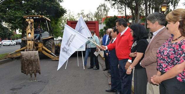 Acompañado por autoridades estatales, el alcalde Wilfrido Lázaro inauguró también el renovado Jardín Anexo al Templo de San Diego, ubicado en la Colonia Vasco de Quiroga, en el cual se invirtieron 3.9 mdp