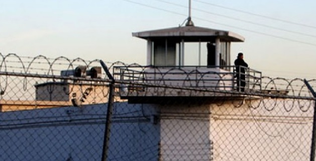 El secretario de Seguridad Pública informó que efectivamente hubo un percance al interior del Cereso Morelia, empero ello se trató de una riña entre los reos de una galera, seis para ser específicos dijo el funcionario