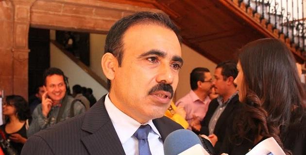 Moreno Martínez lanzó un exhorto al titular del Ejecutivo Estatal, para que a través del Copreveem se le dé un seguimiento puntual y de vigilancia a los casos que se presenten de acoso escolar entre alumnos