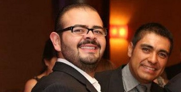 """En tanto, peritos de la PGR analizan el video donde aparece Vallejo Mora con """"La Tuta"""", dialogando sobre asuntos personales del ex gobernador Fausto Vallejo y de asunto relacionados con la política en Michoacán"""
