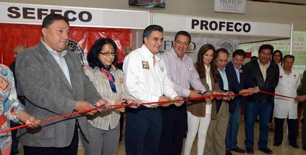 El alcalde Wilfrido Lázaro y la presidenta de la Canaco Servitur Morelia, Guadalupe Morales, inauguraron el evento, mismo que estará abierto hasta el domingo con un horario de 9 de la mañana a 6 de la tarde