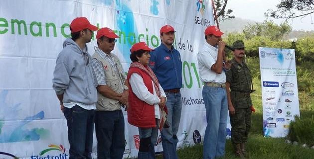 Con jornada de reforestación inicia la semana de festejos por el Día Internacional de la Juventud