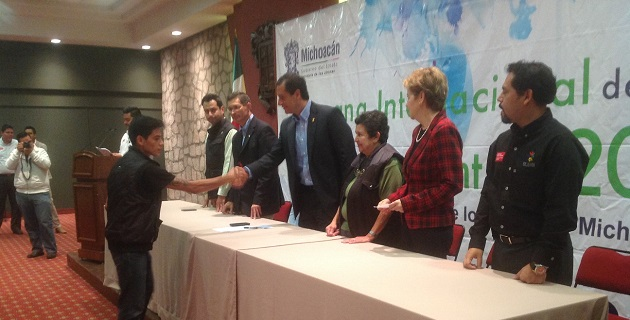 Francisco Xavier Lara, titular de Sejoven y encargado del despacho del CESSP, agradeció a los becarios por su participación en el programa Desarrollo Comunitario, Compromiso de Todos