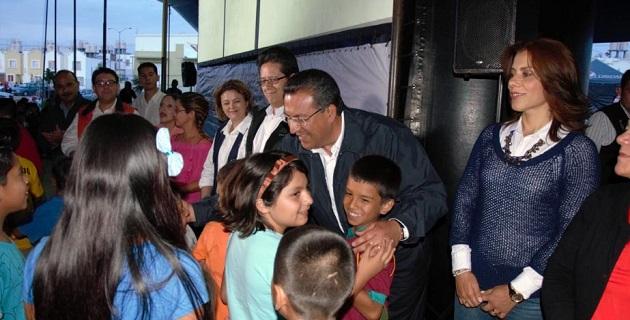 El alcalde Wilfrido Lázaro celebró la unidad familiar demostrada en el convivio realizado en ese lugar