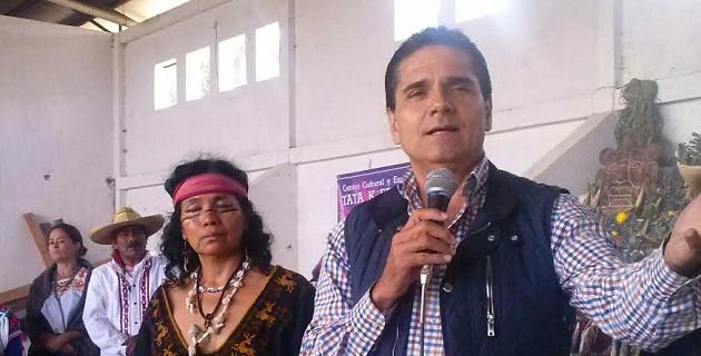 Aureoles Conejo identificó los peligros que existen en la actualidad para este grano básico en la alimentación del pueblo mexicano