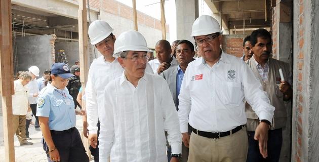 Jara Guerrero reconoció el esfuerzo de quienes participan en la construcción de la magna obra con la que se sustituirá el viejo e insuficiente Hospital de este municipio