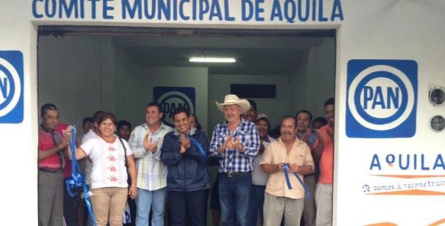 Durante su visita por los municipios de Coahuayana y Aquila, el líder panista detalló que los problemas de Michoacán obligan al PAN a actuar con plena responsabilidad como lo esperan los ciudadanos
