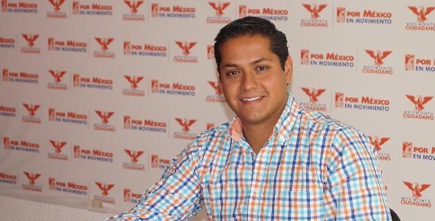 Moncada Sánchez dijo que México lejos de ir hacia delante, ha retrocedido con la imposición de diversas reformas impulsadas por el presidente de la República, Enrique Peña Nieto