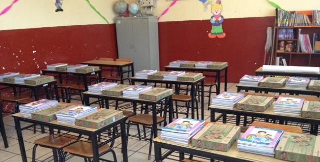 Autoridades de la Secretaría de Educación de la entidad (SE) se coordinan con supervisores y jefes de sector, quienes son los encargados de distribuirlos en las escuelas