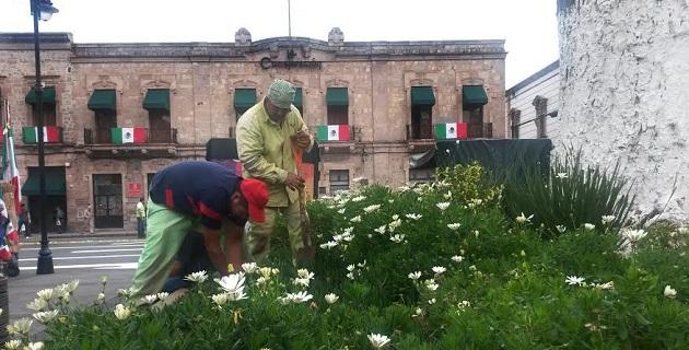 Con el mismo propósito de ofrecer a los morelianos y turistas una Morelia atractiva, pujante y bella, se realizan trabajos de mantenimiento y lavado en diferentes fuentes de la ciudad