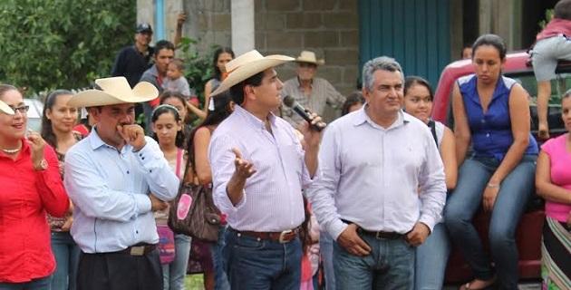 """""""Es urgente atender este tema en Michoacán, es un sector que se ha visto muy vulnerado, por eso hay que alinear el entramado jurídico y el institucional"""", expresó Aureoles Conejo"""