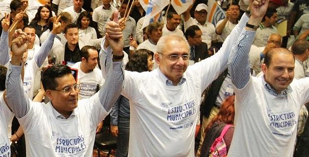 Vega Casillas consideró que es momento de responder favorablemente a esa confianza que hoy los panistas tienen en sus líderes, haciendo una gran comunidad comprometida y sólida