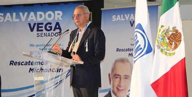 Vega Casillas manifestó su total rechazo a la Reforma Fiscal, debido a que ésta afectará la economía de los productores del campo
