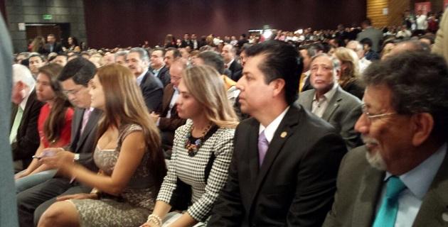El diputado federal asistió al Segundo Informe Legislativo del senador del PRI, Ascensión Orihuela, en representación de la Cámara de Diputados