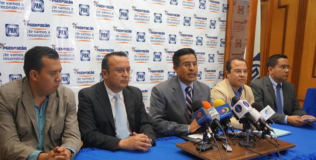 El jefe del panismo michoacano, Miguel Ángel Chávez, resaltó que debe considerarse que tampoco se han establecido los protocolos de seguridad para los alcaldes que decidan hacerlo