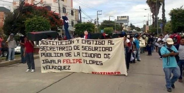 """En un comunicado, Insulza expresó su """"profunda consternación"""" por la desaparición de los 43 estudiantes, que fueron vistos por última vez en la ciudad de Iguala la noche del 26 de septiembre pasado"""