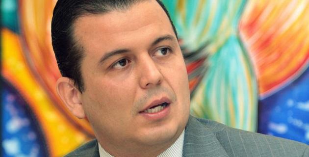 En otro punto del orden del día, el secretario del Ayuntamiento de Pátzcuaro, informó de la ausencia injustificada de Salma Karrum y propone a Jorge Gabriel Pita Arroyo como presidente municipal sustituto