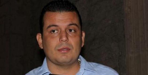 Valencia Reyes contradice una vez más las versiones oficiales sobre que fue retirado de Tepalcatepec para garantizar su seguridad; adviertes que insistirá en retornar al cargo para el cual fue electo constitucionalmente