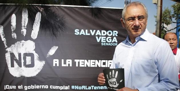 """""""Michoacán padece una grave situación económica, falta de empleo, los comercios y las industrias han sufrido años de extorsiones, y no se pueden solucionar los problemas cobrando más impuestos"""": Vega Casillas"""