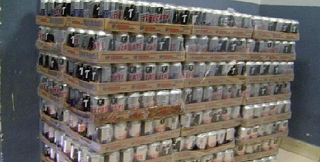 Un cargamento de más de 55,000 cervezas robadas a camiones repartidores, así como tres detenidos dejó un operativo efectuado por la PGJE