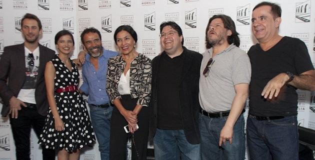Damián Álcazar, el estelar de la propuesta, insistió que no es una simple comedia chambona, que toca temas más importantes como la amistad, las segundas oportunidades y la recuperación de la vitalidad juvenil