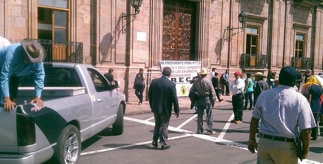 Aunque la vialidad todavía no está cerrada en su totalidad, se recomienda tomar las debidas precauciones (FOTO: FRANCISCO ALBERTO SOTOMAYOR)