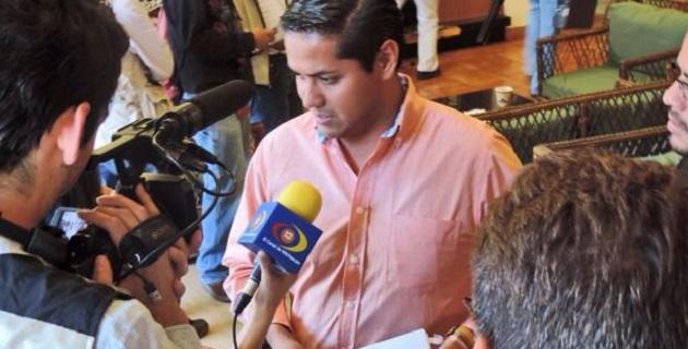 Jara Guerrero, en su defensa a través de la Consejería Jurídica, argumentó que acudió al evento de la CNOP sin detentar el cargo de gobernador, ya que su horario es de 8 a 17:30 horas y tal reunión se había realizado más tarde