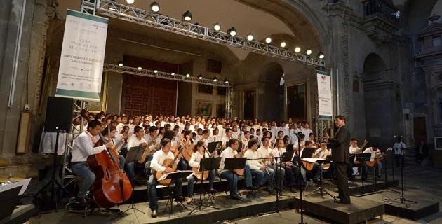 Emocionado, el presidente Wilfrido Lázaro Medina agradeció por aplaudir al presente y al futuro de Morelia