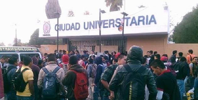 Por enésima ocasión en este año, se han paralizado las clases en la Universidad Michoacana para el resto de la semana (FOTO: FRANCISCO ALBERTO SOTOMAYOR)
