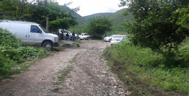 Los peritos en materia forense y genetistas de la PGJ-Guerrero envía para estos trabajos, continúan con las excavaciones