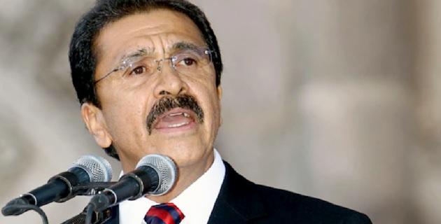 El dos veces diputado y ex presidente municipal, refirió que Guerrero y Michoacán atraviesan una crisis que debe de ser atendida por el gobierno federal y los estatales de cada entidad